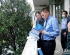 新化县检察院检察长到乡镇督导综治民调和开展检务宣传工作