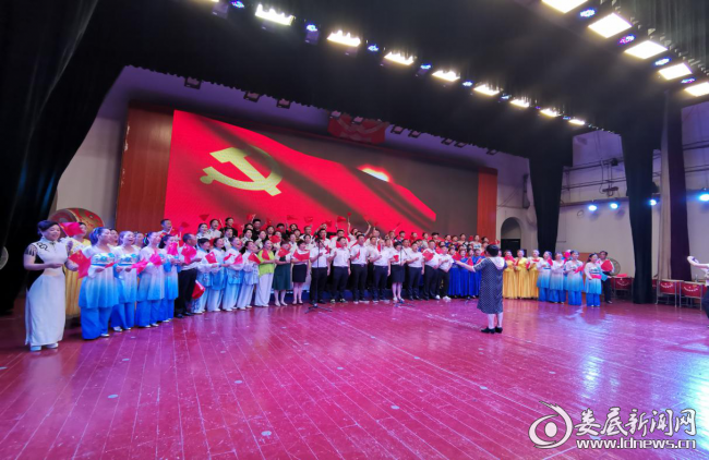 (大合唱《没有共产党就没有新中国》)