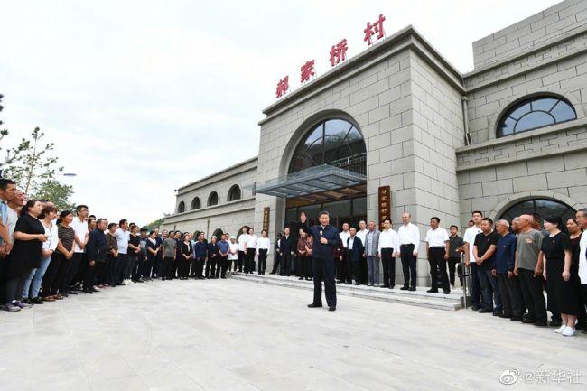 《【凤凰联盟平台官网】习近平在绥德考察调研》