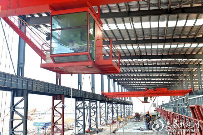 园区即将投产的浙湘新材高牌号硅钢项目调试安装设备现场