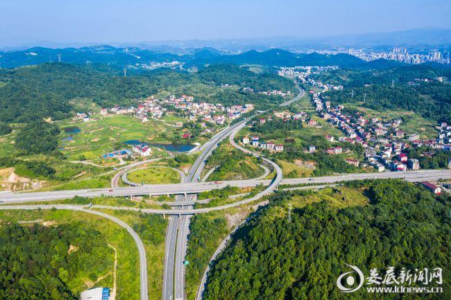娄新、二广高速立体交通枢纽